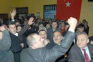 CHP kongresinde kavga çıktı, yumruklar konuştu.12459