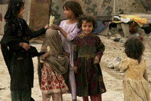 Afganistan'da 300 bin çocuk okula gidemiyor.15999