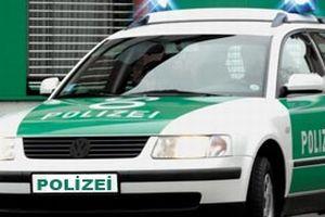 Hırsız kovalayan polislerin arabasını çaldılar.13913