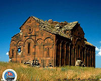 Ani'yi Ermenistan yıkıyor, Türkiye onarıyor .12614