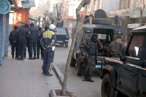 El Kaide'ye yönelik operasyonda 1 polis şehit oldu.16419