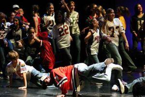 Genç rapçılar okullarında karne konseri verdi.18392