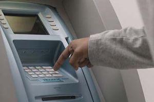 ATM soyguncuları 40 bin YTL götürdü.8683