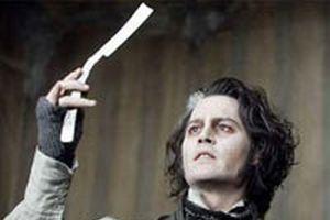 Johnny Depp, ustura kullanmayı Türk berberden öğrenmiş.9182
