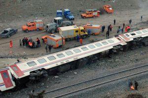 Tren raydan çıktı: 60 yaralı.32767