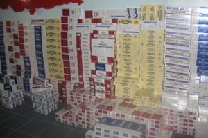 Bitlis'te 11 bin paket kaçak sigara ele geçirildi.26245