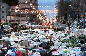 Napoli'deki çöp krizi sürüyor.23888