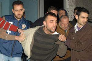 Cezaevi firarisi kahvehanede yakalandı.13535