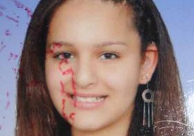 Annesini 8 yerinden bıçaklayarak öldürdü.44556