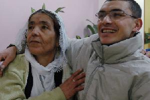 Er Ramazan Yüce Mersin'deki evine döndü.48064