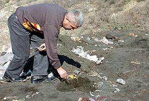 Dilovası'nda zehirli atıklar yol kenarlarına bırakılıyor.21248