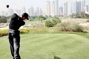 Çöl golfünün şampiyonu Woods.13903