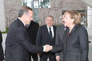 Erdoğan, Almanya'da temaslarını sürdürüyor.12232
