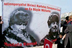 Başörtüsü karşıtları, Atatürk ile Lenin'i yan yana getirdi.13939