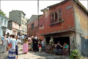 Sulukule'de gecekondu yıkımı başladı.18496