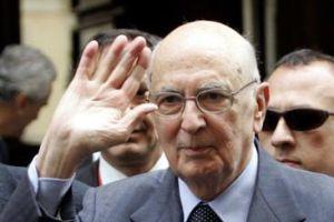 İtalya cumhurbaşkanı kürsüde fenalaştı.12465