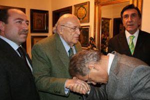 Süleyman Demirel 'ıstırap içerisinde' üzülüyormuş!.13238
