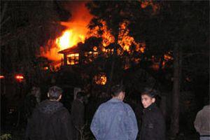 İzmir'de doğrama atölyesinde yangın.10833