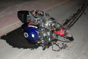 Motorsiklet kazasında sürücünün kafası koptu.13717