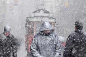 İstanbul'da kar yağışı etkisini artırarak devam ediyor.14804