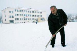 Yoğun kar yağışı nedeniyle Ankara'da okullar tatil.8526