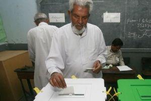 Pakistan'da oy verme işlemi sona erdi.10784