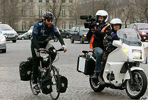 İskoç bisikletçi dünya turunu tamamladı.20909