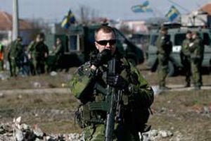 NATO güçleri Kosova sınırında alarma geçti.14373