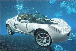 Filmde suda giden araba gerçek oldu.15774