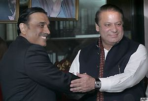 Pakistan'da muhalefet h�k�met i�in anla�t�.11626