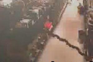 Deprem anı güvenlik kamerasıyla görüntülendi.7110