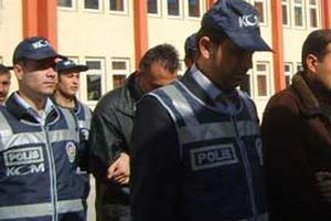 Kocaeli'nde 4 kişilik kalpazan çetesi yakalandı.13652