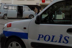 Polis aracına saldırı.10677