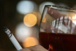 Sigara ve alkol kısırlık yapıyor.8180