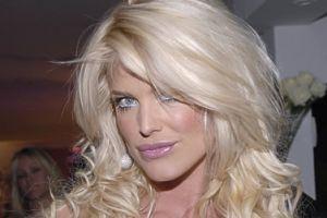 Erbil'e dünyaca ünlü top model hostes.10863