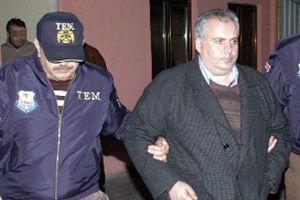 Ergenekon örgütü ile bağlantılı doçentler tutuklandı.12995