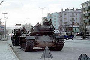 Tanklar Irak sınırına yürüyor.13752