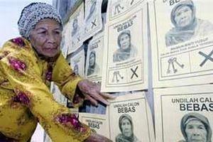 89 yaşındaki nine seçimlerde aday.17112