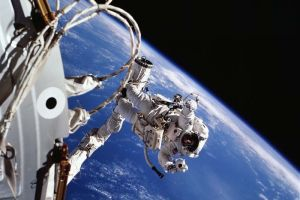 Astronotların uzay yürüyüşü başladı.14159