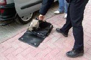 Bayrampaşa'da şüpheli paket.13762