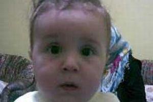 2 yaşındaki öz kızını satmaya kalkıştı.8378