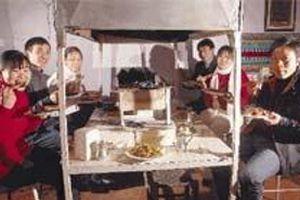 Asgari ücretle çalışan Çinliler.19243