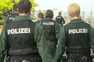 Alman polisini kızdıran gösteri.12959