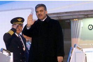 Cumhurbaşkanı Gül yurda döndü .9855