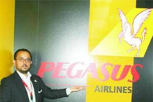 Pegasus uçaklara reklam giydiriyor.10180