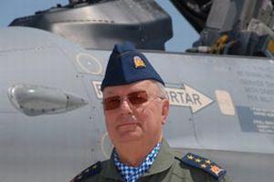 Sınır ötesi hava harekatını yöneten komutan konuştu.10053