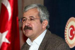 ÖDP lideri Ufuk Uras, CHP'li Önder Sav'a tepki gösterdi.10039