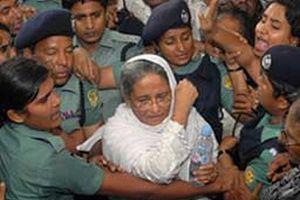 Tutuklu eski Başbakan hastaneye kaldırıldı.15093