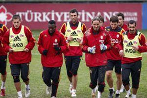 Galatasaray avantaj peşinde.18301