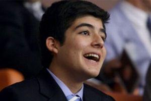 Gül'ün oğlu siyasete göz kırptı.8189